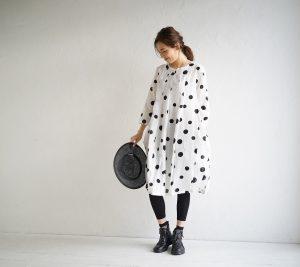 コイビトミサキkoibitomisakiドット柄コクーンジャケットフリーサイズ水玉チュニックワンピース長袖ゆったり前開きファスナーノーカラー30代40代50代大きいサイズ母の日